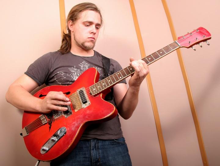 guitar picking speed
